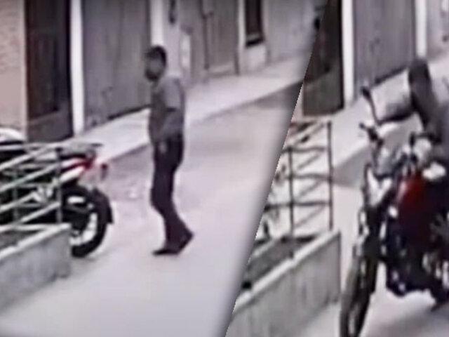 Así roban motocicletas estacionadas en cuestión de segundos