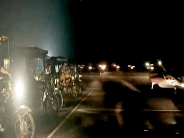 Corazones solidarios iluminan aeródromo para que despegue un avión por emergencia