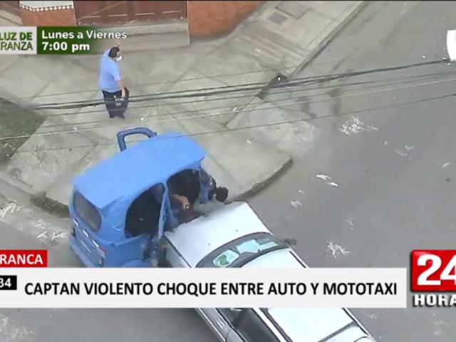 Pudo morir: mototaxista acabó sobre capó de auto tras choque en Barranca