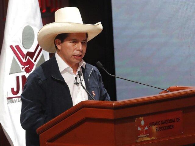 Pedro Castillo hace llamado a la unidad tras recibir credencial del JNE como presidente electo