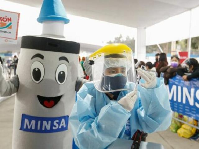 La tercera jornada de 'Vacunatón' avanza con éxito en diferentes partes de Lima y Callao