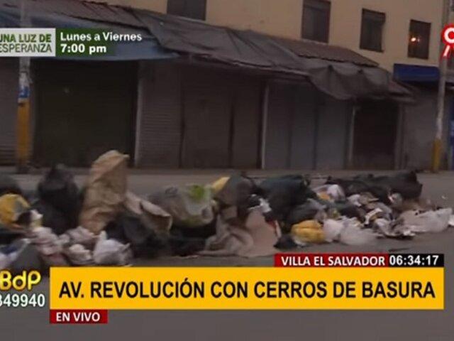 VES: montículos de basura y desperdicios inundan calles de avenida Revolución
