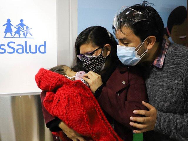EsSalud realizó trasplante hepático a bebe más pequeño de la historia