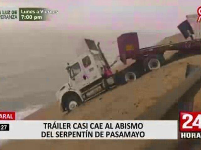 Huaral: trailer casi cae al abismo del serpentín de Pasamayo