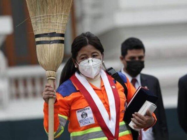 Congresista Isabel Cortez protagonizó incidente con periodista