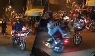 Motociclistas realizan peligrosas maniobras en las calles del Callao