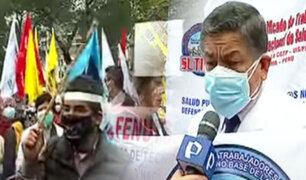 """Médicos y técnicos del hospital del Niño realizan marcha para exigir """"Bono COVID"""""""