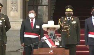 Pedro Castillo rindió homenaje a militares y policías que dieron su vida durante la pandemia