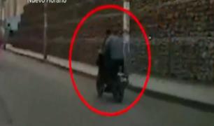 El Agustino: cámara registra violento asalto de celular en plena luz del día