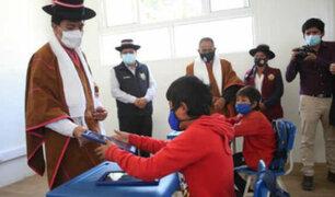 Ministro Juan Cadillo supervisó inicio clases semipresenciales en Ayacucho