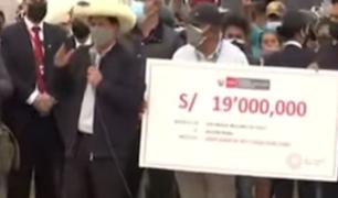 Piura: presidente Castillo llevó ayuda y aseguró que destrabarán proyectos