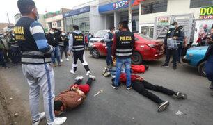 Los Olivos: frustran asalto a entidad financiera y detienen tres ladrones fuertemente armados