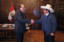 Pedro Castillo se reunió con Julio Velarde en el Palacio de Gobierno