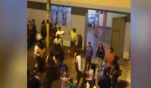 Ate: 'Covidiotas' arman tremenda pelea en una fiesta en plena vía pública
