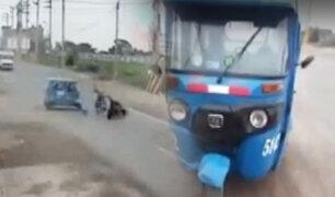 Huaral: cámara capta choque de moto y mototaxi en la Panamericana Norte