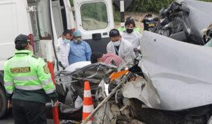 Un muerto y tres heridos graves deja accidente de tránsito en La Libertad