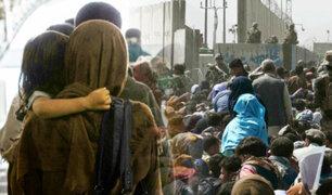 Caos en el aeropuerto de Kabul deja al menos 7 muertos