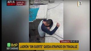Chimbote: presunto ladrón es encontrado atascado en tragaluz de vivienda