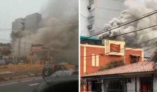 Surco: incendio a pocos metros de un grifo causó pánico entre vecinos y transeúntes