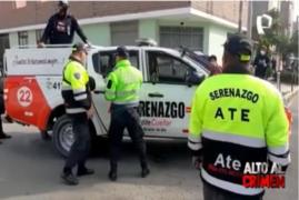 """La caída de los """"motochoros"""": sin piedad, sujetos robaban celulares en Ate"""