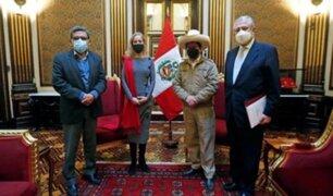 Pfizer: Castillo se reunió con embajadora de EEUU para asegurar abastecimiento de más dosis al Perú