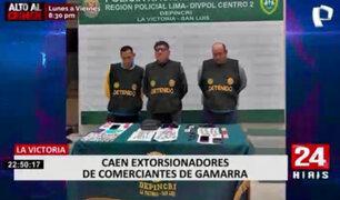Incautan arma de fuego y droga a extorsionadores de comerciantes en La Victoria