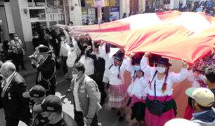 """Tacna: Simpatizantes del presidente Castillo realizaron su """"paseo de la bandera"""""""