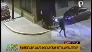 Surco: delincuentes roban moto estacionada y dejan sin trabajo a repartidor