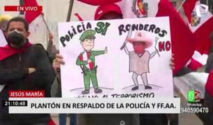 Ciudadanos protestan en apoyo a la Policía Nacional del Perú y las Fuerzas Armadas