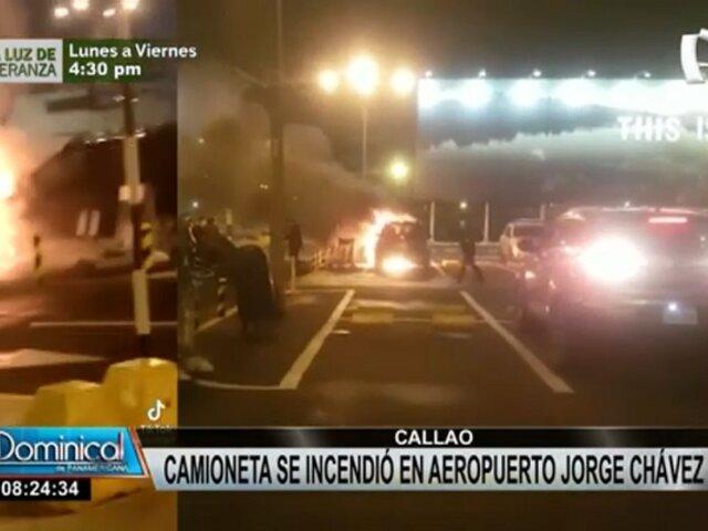 Alarma en Aeropuerto Jorge Chávez: camioneta se incendió en pleno estacionamiento