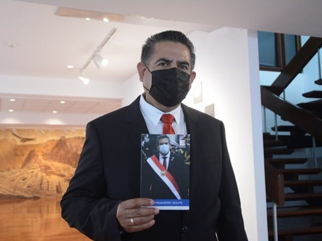 """Manuel Merino presentó su libro """"El verdadero golpe"""""""