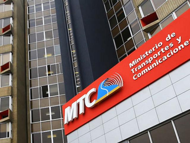 Ejecutivo llega a acuerdo con transportistas y suspenden paro nacional del miércoles
