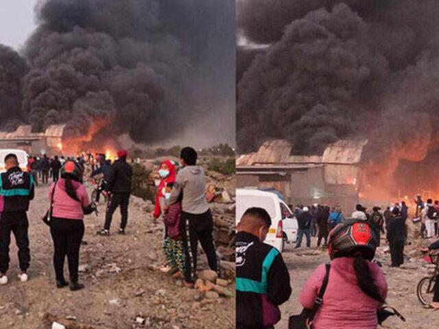 Carapongo: reportan gigantesco incendio en una fábrica de motos