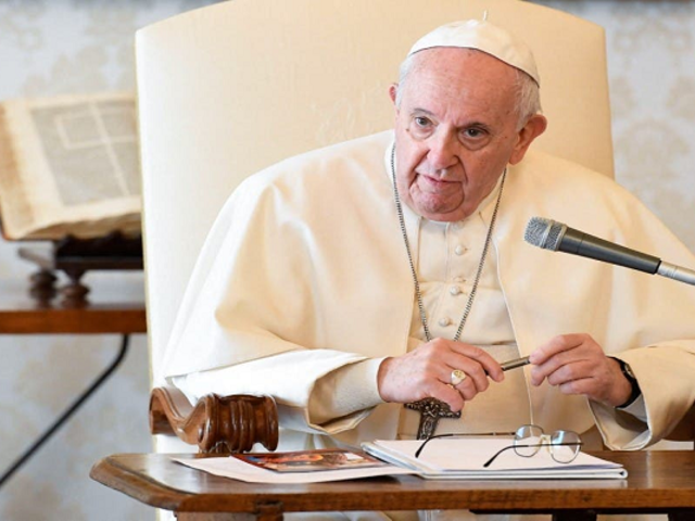 """Papa Francisco insta a Latinoamérica a vacunarse como un """"acto de amor"""""""