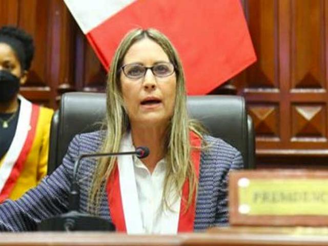 """María del Carmen Alva: """"Cualquier cambio de la Constitución debe hacerse dentro del Congreso"""""""