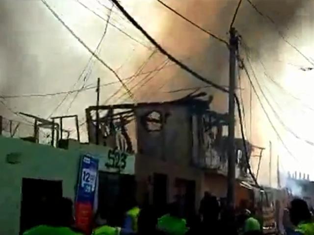 Surco: incendio consume casi 50 viviendas y deja varias familias damnificadas