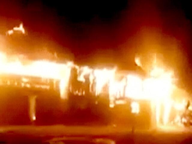 Iquitos: voraz incendio arrasa con viviendas y deja varias familias damnificadas