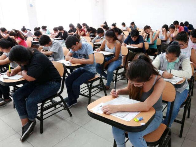 Clases presenciales en universidades podrían empezar la próxima semana, anuncia Minsa