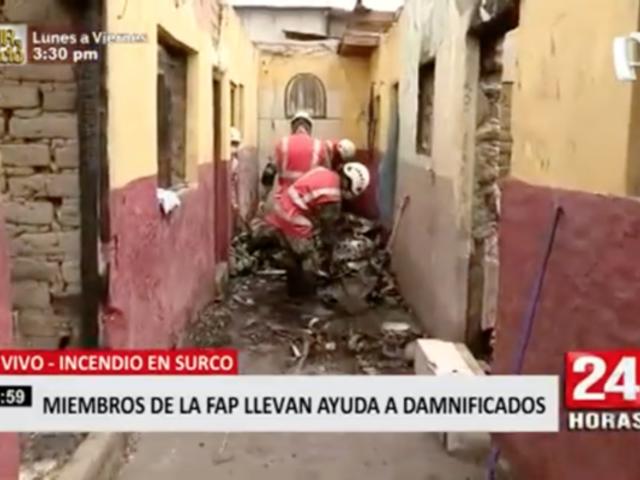 Miembros de la FAP llevan ayuda a los damnificados de incendio en Surco