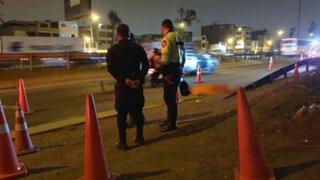 SJM: delincuentes suben a transporte público y policía acribilló a uno de ellos