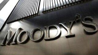 Moody's rebaja calificación crediticia de Perú