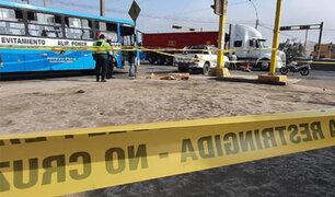 Puente Piedra: sicarios en moto asesinan de siete balazos a  joven cobrador de combi
