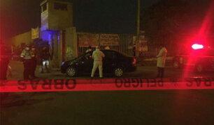 Comas: sicarios asesinan a balazos a prestamista extranjero dentro de su automóvil