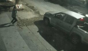 Los Olivos: ladrones intenta llevarse camioneta, pero al final la dejan por no saber manejarla