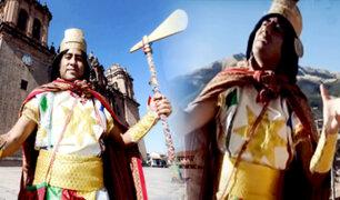 Carismático profesor sorprende al disfrazarse y cantar a sus alumnos en Cusco