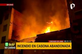 Cercado de Lima: incendio se registra en terreno abandonado del jirón Cusco