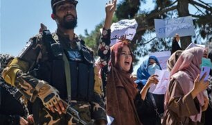 La ONU denuncia ataques a la mujer y pone en duda promesas de los talibanes