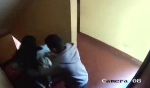 Santa Anita: mujer cae por las escaleras tras ser empujada por su pareja
