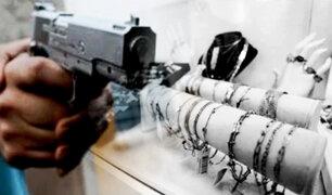Miraflores: delincuentes roban hasta 20 mil dólares en joyería