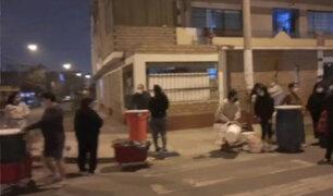 SJL: vecinos esperan desde la madrugada llegada de cisternas para conseguir agua potable